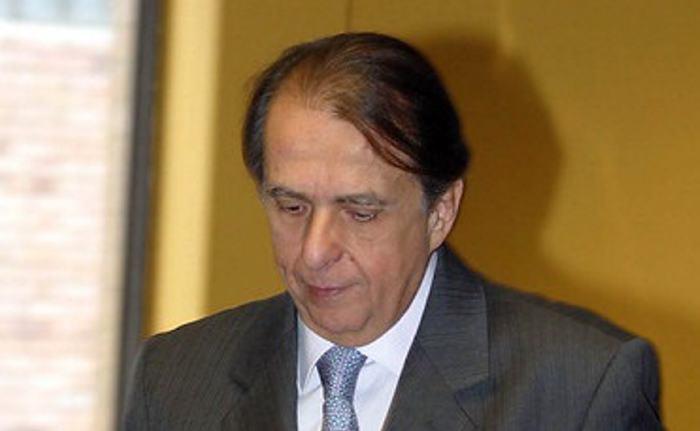 Alberto Santofimio fue trasladado a casa por cárcel