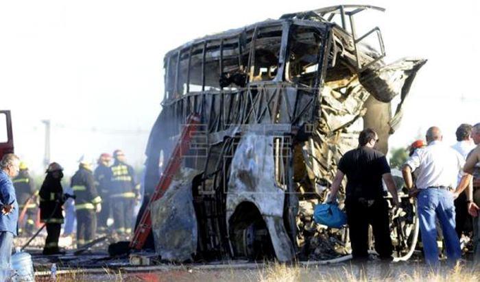 Tragedia en Mendoza: volcó un micro y murieron 12 personas
