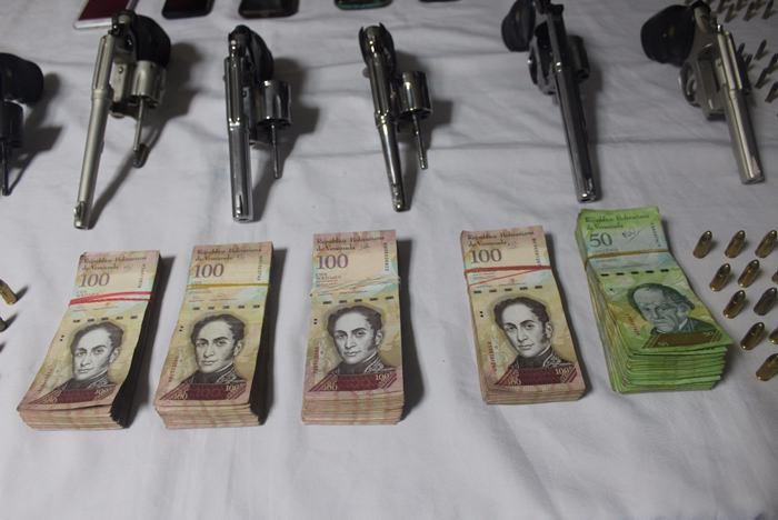 Detenidas dos venezolanas en Barranquilla con armas sin permisología