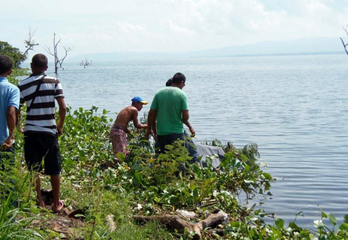 Cuatro hermanos colombianos aparecen asesinados en lago de Venezuela