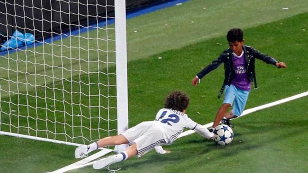 El hijo de Cristiano Ronaldo se robó el show en el Santiago Bernabéu ... 89b61e8b056f6