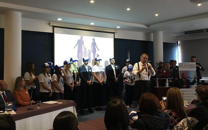 Alejandro Ordóñez hace oficial su candidatura presidencial para el próximo año