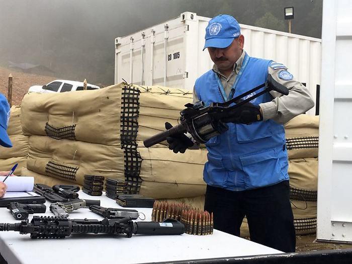 Las FARC — Bienvenida la paz