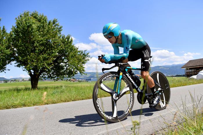 El colombiano Miguel Ángel López abandona la Vuelta a Suiza por caída