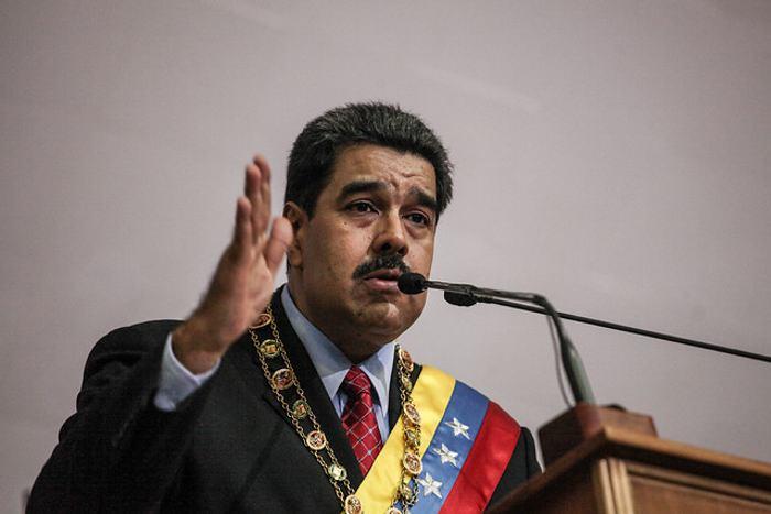 Oposición venezolana y comunidad internacional acorralan a Maduro