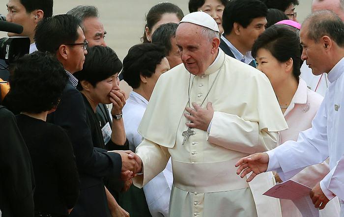 Iglesia Católica ordena a sacerdotes no apoyar al canal Teleamiga