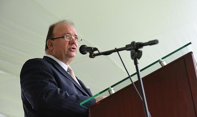 El Ministro de Defensa Luis Carlos Villegas