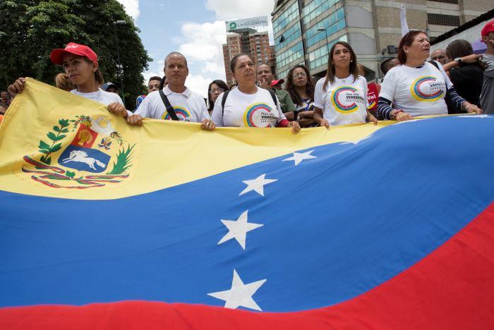 Oposición venezolana posterga para el viernes movilización contra Constituyente
