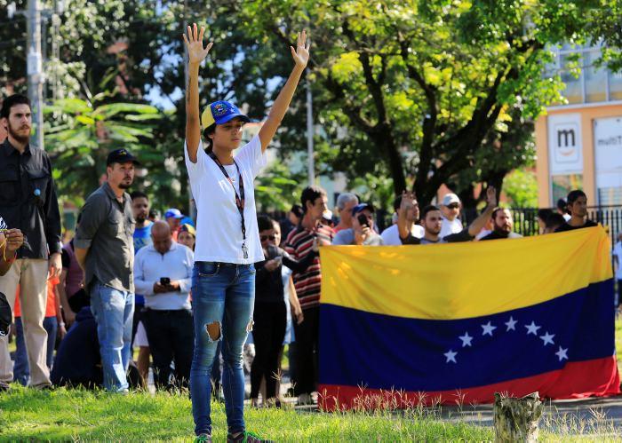 El ejercito se subleva en el norte de Venezuela