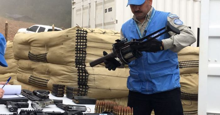 Dan por concluido desmantelamiento de escondites de armas de las FARC