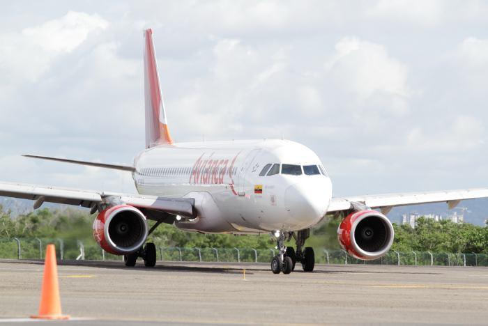 Grupo mayoritario de pilotos de Avianca inicia huelga en Colombia