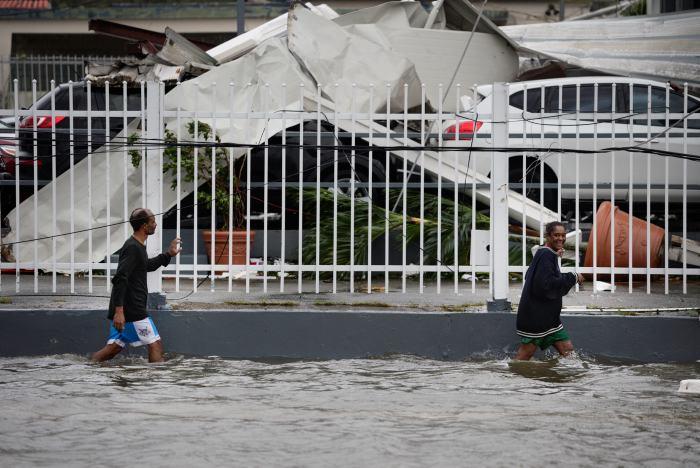 Al menos 35 muertos deja huracán María en el Caribe