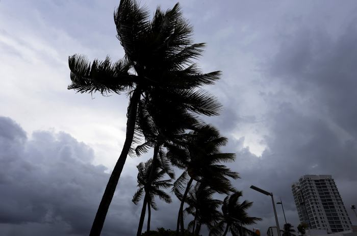Poderoso huracán Irma a horas de tocar Miami