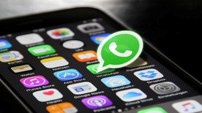 Denuncian falsas multas por usar celular en los bancos