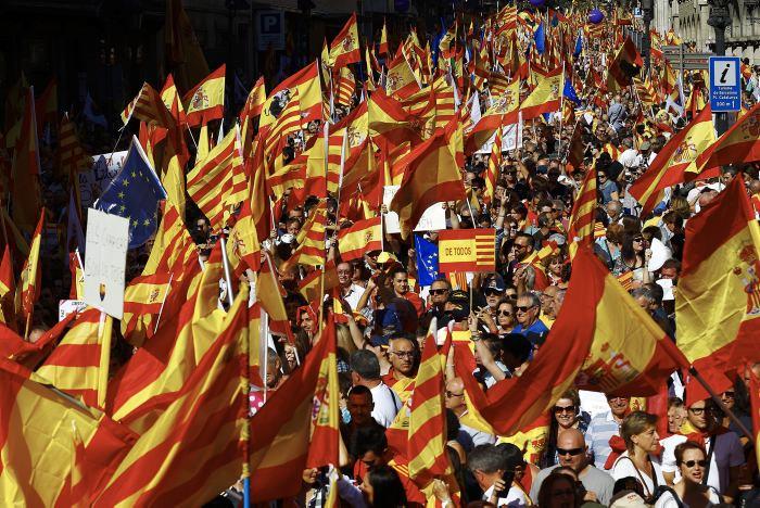 La conjura independentista catalana no destruirá la unidad de España — Vargas Llosa