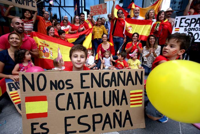 Francia anuncia que no reconocería la independencia de Cataluña