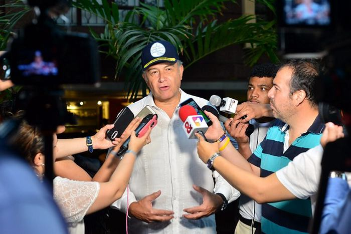Gobierno descarta negociación con EPL tras carta a Santos