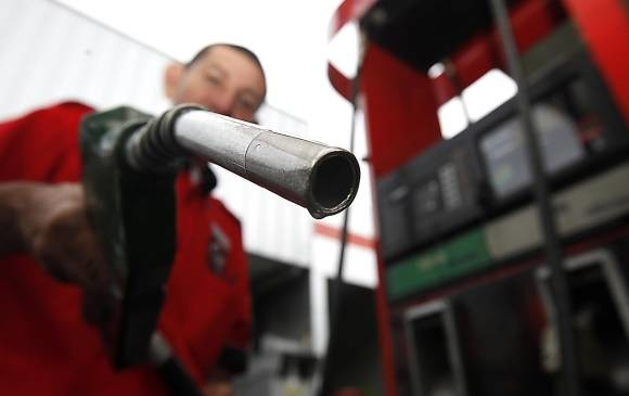 Precio de la gasolina subirá $139 a partir de la medianoche