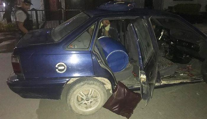 Detonan explosivo contra estación policial y desactivan coche bomba en Colombia
