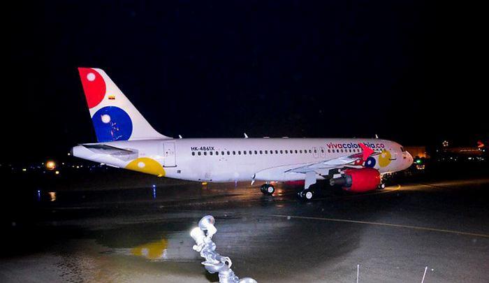 Propietaria de ViVaColombia adquirirá 50 aviones A320 para modernizar su flota
