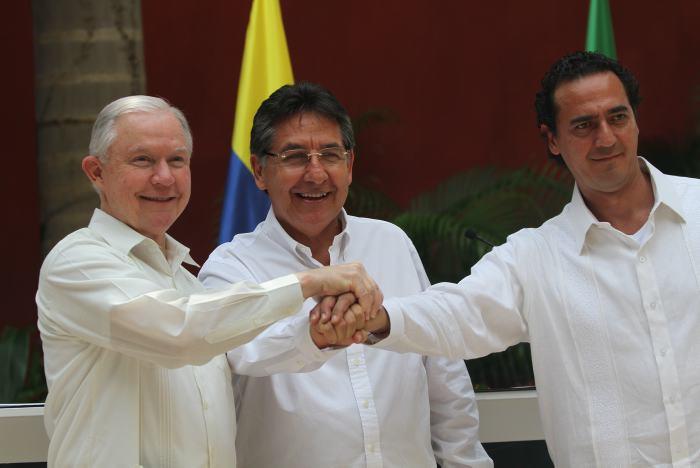 México, Colombia y EU redoblan esfuerzos contra crimen organizado y narcotráfico