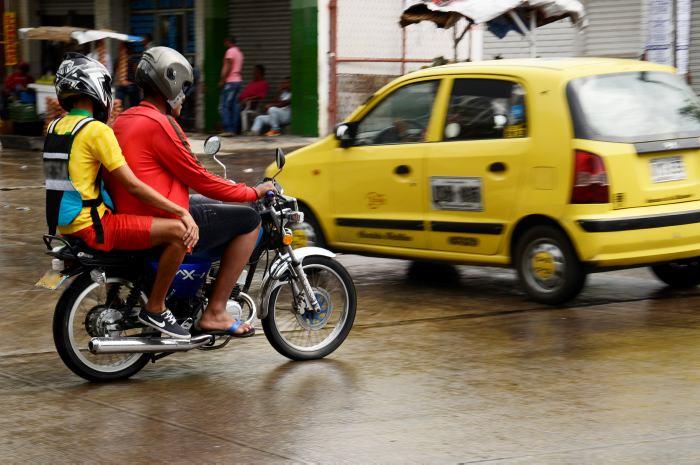 Alcaldía prohíbe permanentemente parrillero en moto, al norte de la ciudad — Barranquilla