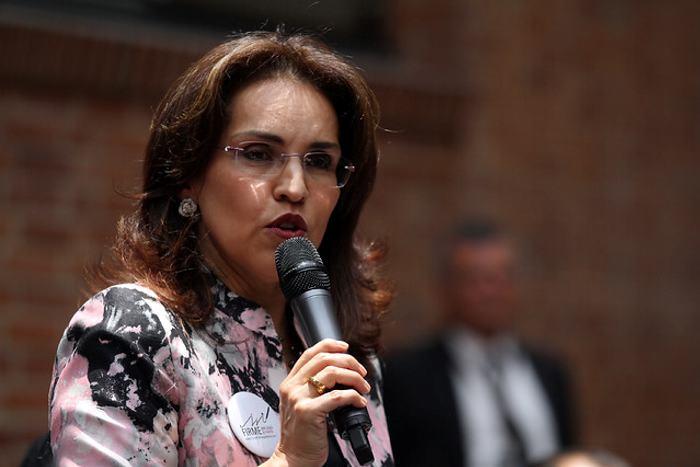 Viviane Morales presenta renuncia al Senado para aspirar a la Presidencia