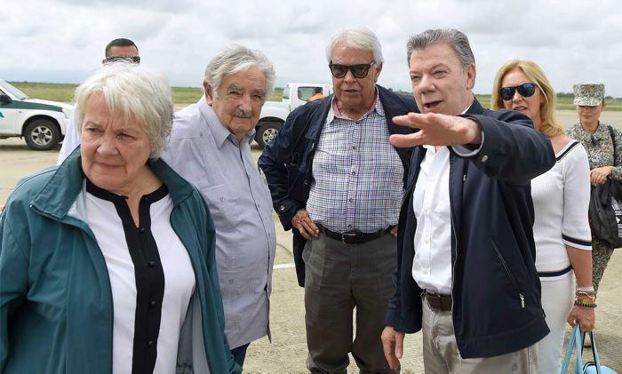 Santos y las FARC evalúan el proceso de paz