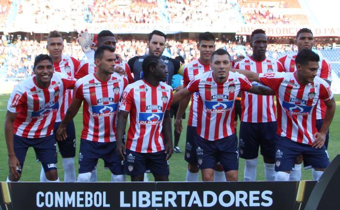 Copa Libertadores: Germán Gutiérrez propina tremenda patada a Bruno Henrique