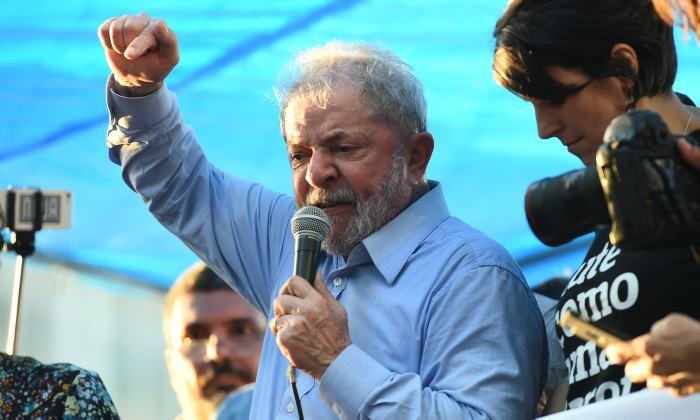 Justicia brasileña devuelve pasaporte al expresidente Lula da Silva