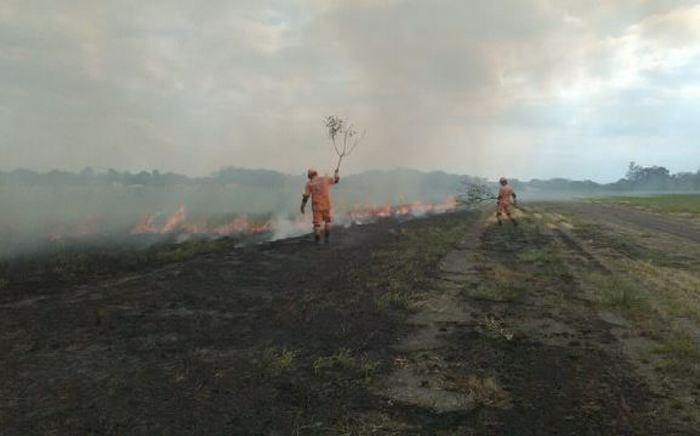 Intentan controlar incendio forestal en La Macarena, Meta
