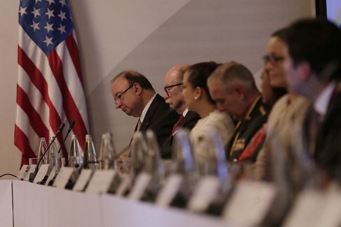Colombia y EEUU anuncian que ampliarán por cinco años cooperación contra narcotráfico