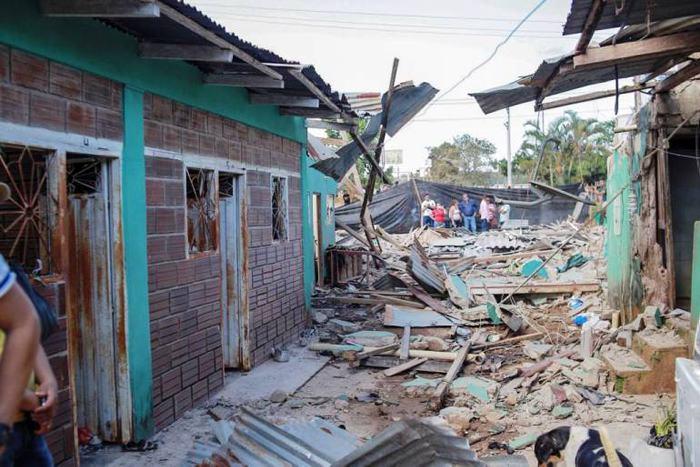 La estación de policía y varias casas resultaron afectadas tras el hostigamiento. / Cortesía