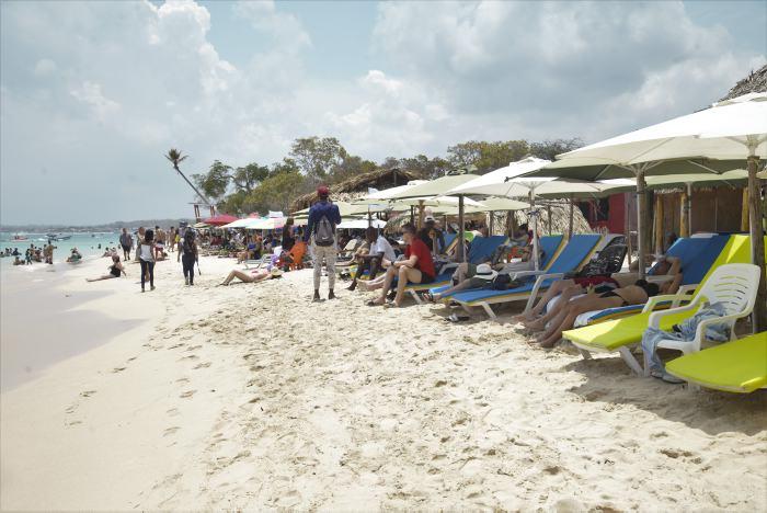 Gobierno, con cierres, busca proteger Playa Blanca y la tortuga carey