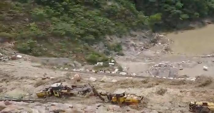 Evacúan pueblos aguas abajo del río Cauca por nueva emergencia en Hidroituango