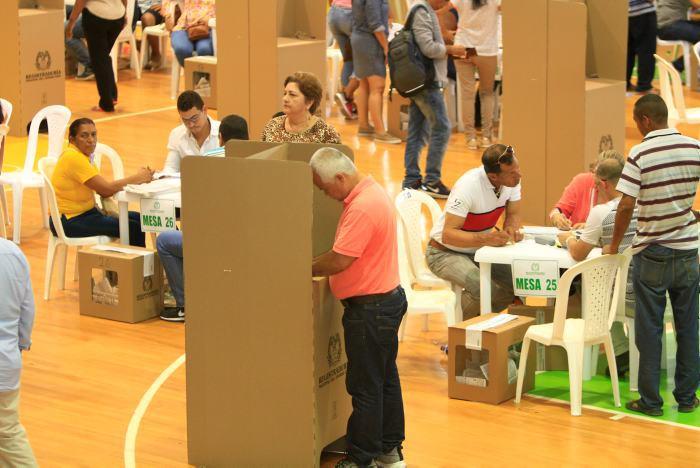 Denuncian presunto fraude electoral en la Registraduría