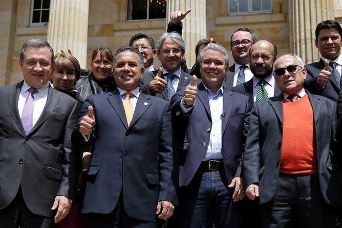 El Centro Democrático le pide a Álvaro Uribe que no renuncie al ...