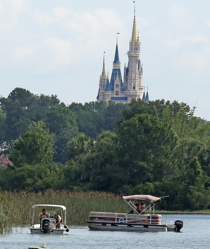 Accidentes laborales en Disney World dejan un muerto y un herido
