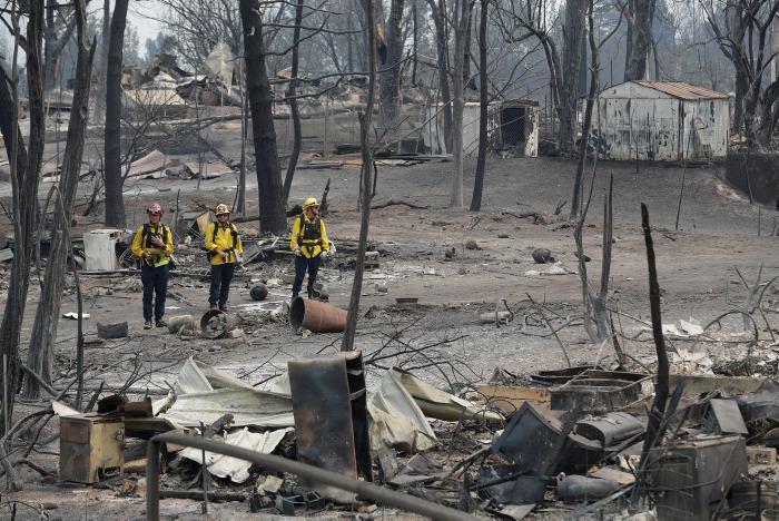 Voraz incendio sigue consumiendo sin tregua el norte de California