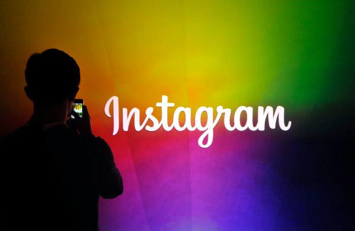 Detienen en Irán a una joven por subir videos bailando en Instagram