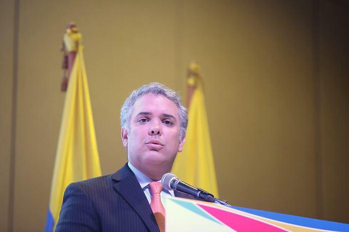FARC llega al Congreso de traje y corbata y con proyectos — Colombia