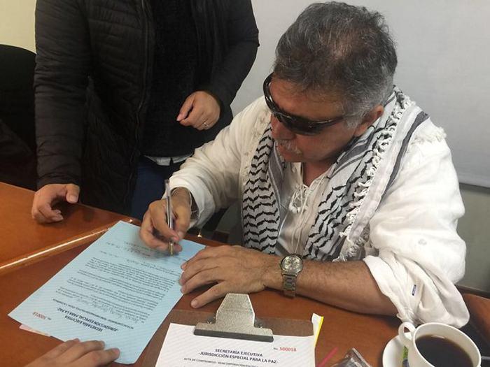 Santos, las Farc e Iván Márquez, de nuevo atacados por uribistas