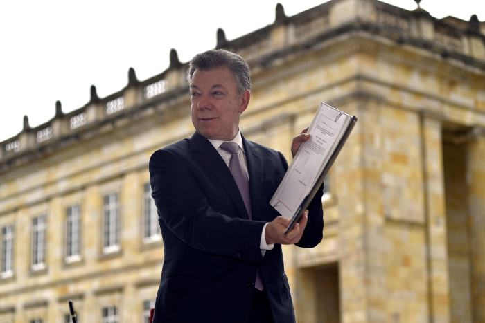 Gobierno Santos anuncia 'Plan de choque' contra asesinato de líderes sociales
