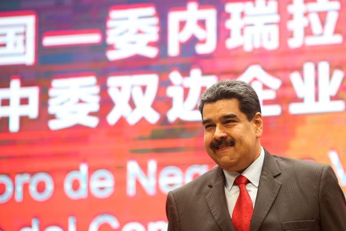 Francisco Santos: con Venezuela se deben tener