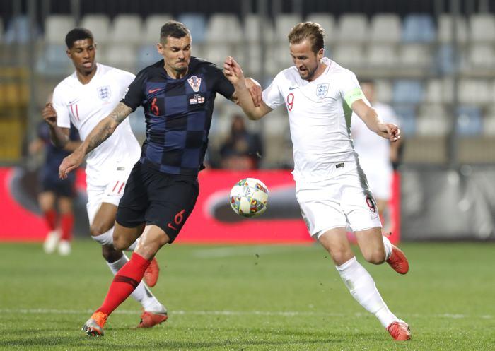 Croacia e Inglaterra empataron y benefician a España