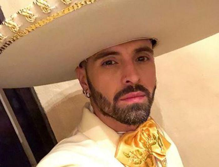 Mike Bahía estrena su nuevo sencillo 'Serenata'