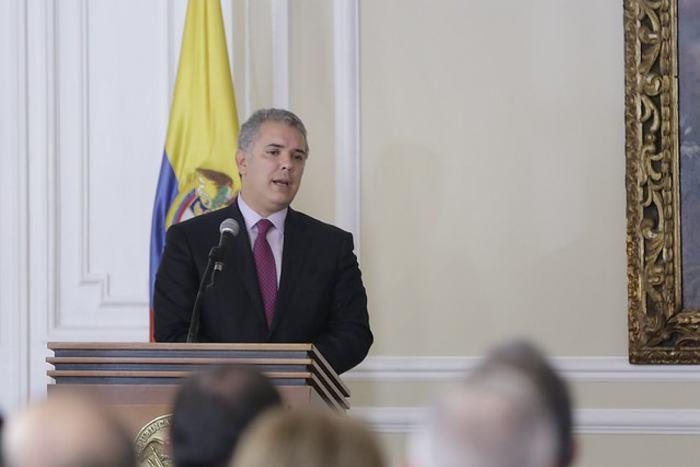 ¿Debe Colombia romper totalmente las relaciones con Venezuela?