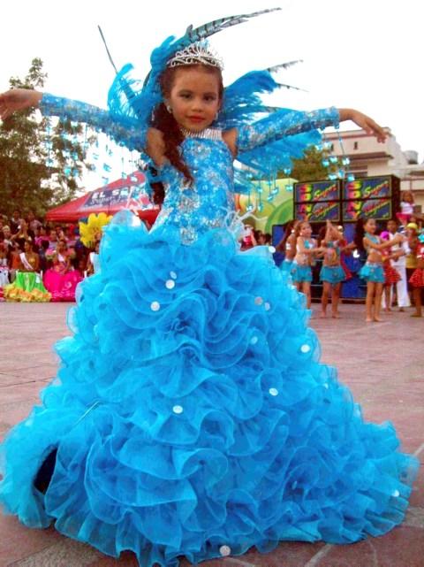 Trajes de reinas de carnaval infantil - Imagui