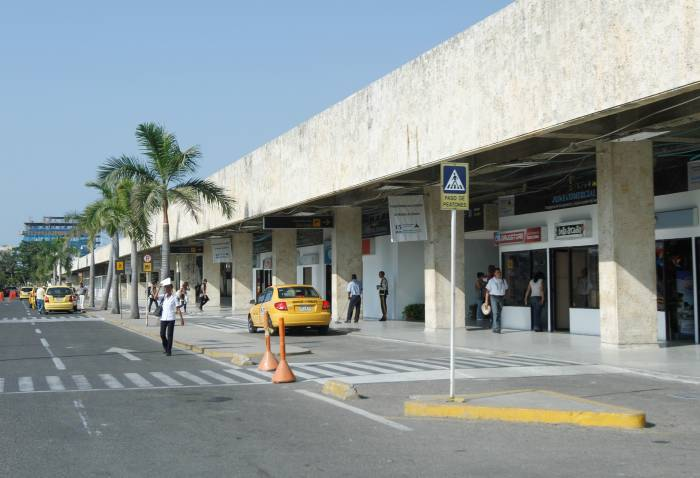 http://www.eluniversal.com.co/sites/default/files/aeropuerto_rafael_nunez.jpg