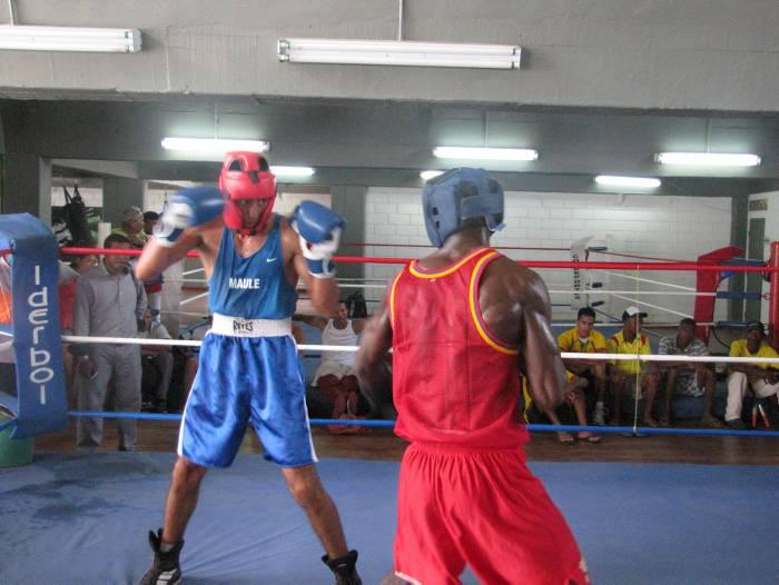 Chilean Boxing Team Trains in Cuba